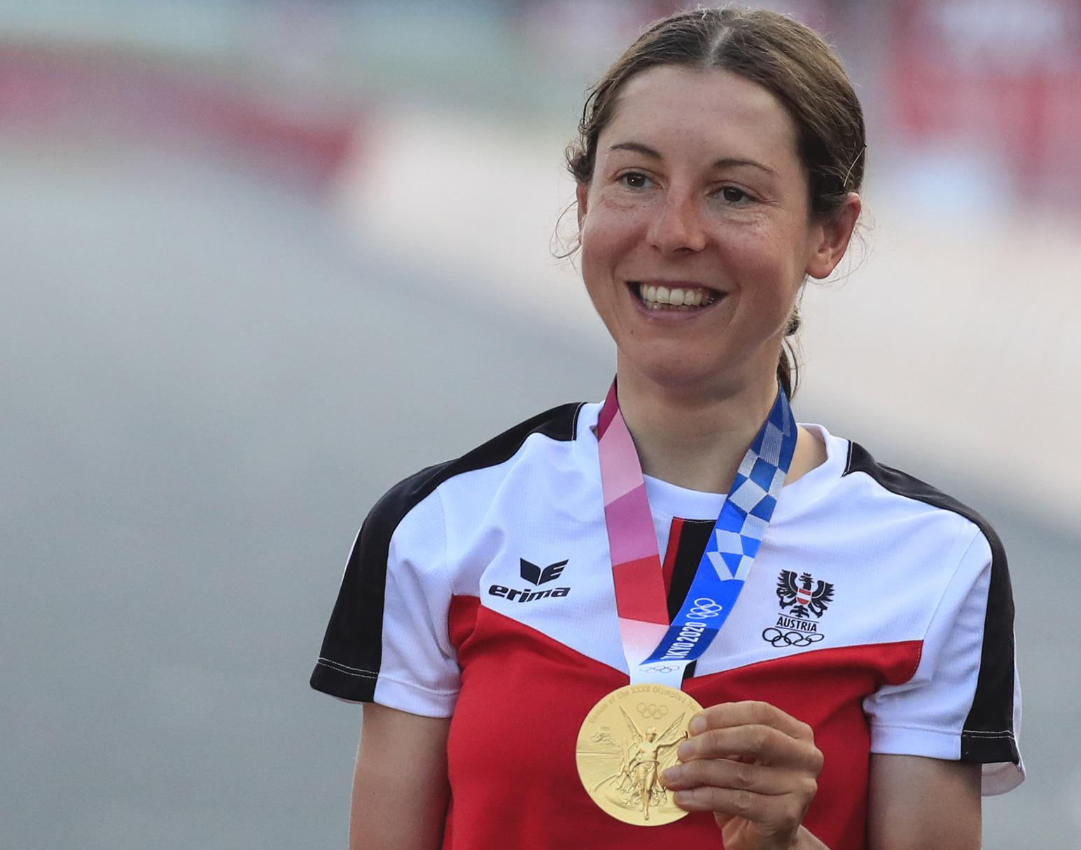 تا قبل از مسابقات المپیک 2020 هیچ کسی آنا کیسنهوفر (Anna Kiesenhofer) دوچرخه سوار اتریشی را نمی شناخت اما اکنون همه او را می شناسند.