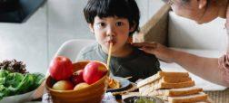 والدین ژاپنی چطور کاری میکنند که بچههایشان بد غذا نباشند
