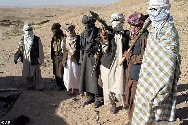 طالبان از یک گروه گریلایی با لباس های کثیف و تجهیزات قدیمی به یکی از مجهزترین ارتش های منطقه تبدیل شده است