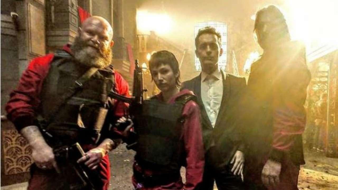 نتفلیکس ویدیو پشت صحنه فصل پنجم سریال Money Heist را منتشر کرده که تصاویری قبلاٌ دیده نشده از فصل پایانی این سریال را نیز در خود دارد.
