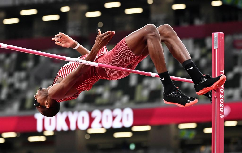 دو ورزشکار ایتالیایی و قطری در رشته پرش ارتفاع در اتفاقی نادر و جالب رضایت دادند که مدال طلا را به صورت مشترک دریافت کنند