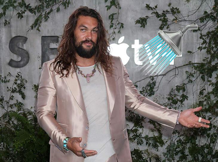 بعد از اینکه گروهی از بازیگران مشهور هالیوود در ترندی از عادات حمام کردن خود گفتند، جیسون موموآ ستاره فیلم های Aquaman نیز واکنش نشان داد