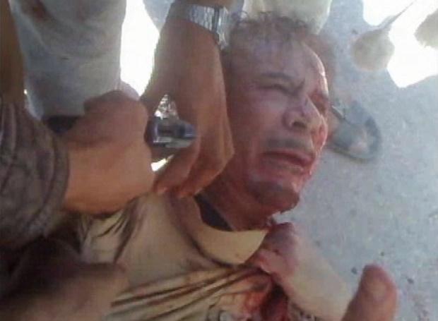 سیف الاسلام قذافی پسر سرهنگ معمر قذافی دیکتاتور سابق لیبی به شکلی غیرمنتظره بار دیگر ظاهر شده و می گوید که می خواهد رهبری کشورش را بدست گیرد.