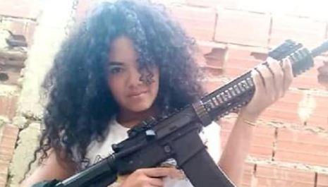 زن ونزوئلایی ملقب به «مو قشنگ» که افراد گروه های خلافکار رقیب را به دام می انداخت