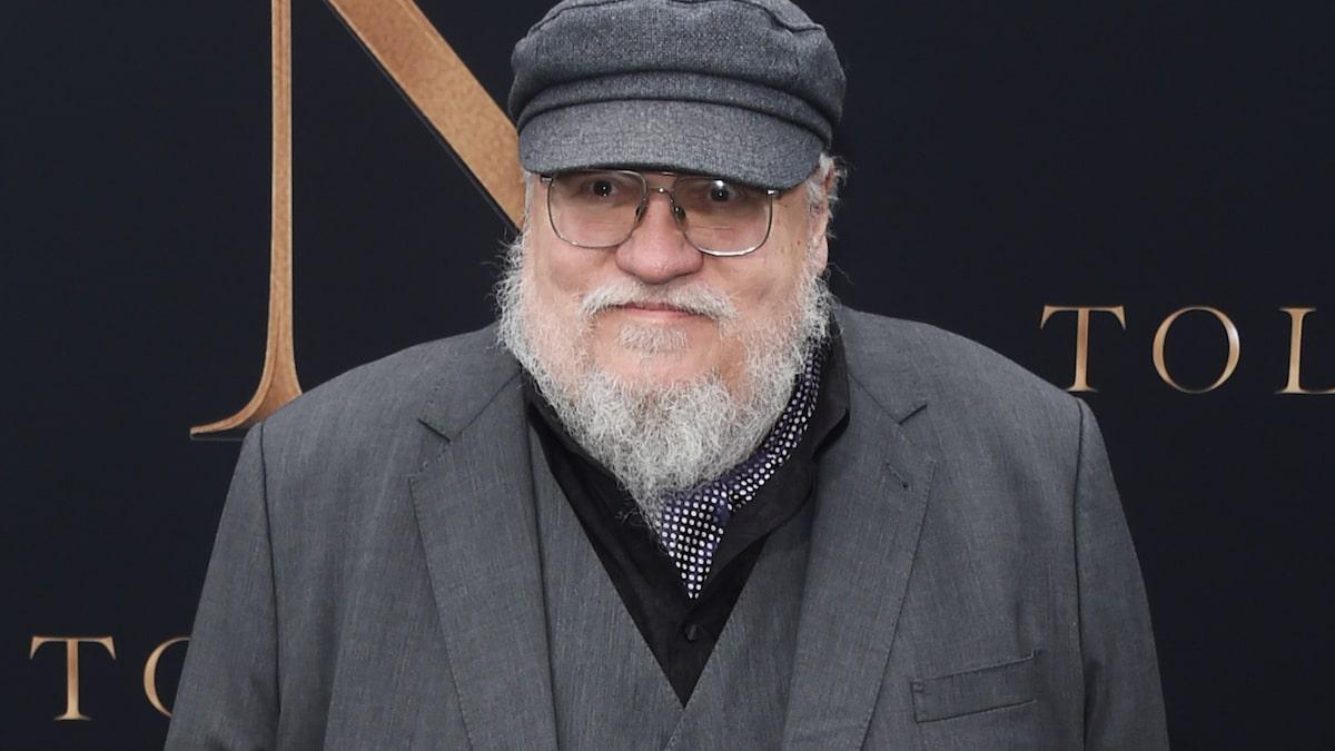 جرج آر آر مارتین به طرفداران سریال Game of Thrones قول داد که پایانی متفاوت از آنچه در سریال دیدیم در کتاب ششم او رقم خواهد خورد