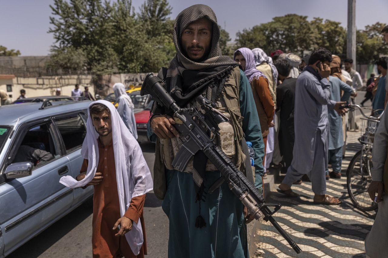 سقوط سریع افغانستان باعث شده تا طالبان به زرادخانه ای از سلاح های آمریکایی دست یابد که می توانند بر قدرت حاکمان جدید افغانستان بیفزاید.