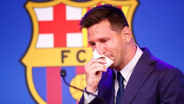 لیونل مسی ستاره دوست داشتنی تیم بارسلونا و تیم ملی آرژانتین پیش از شروع صحبت هایش در کنفرانس خبری خداحافظی با بارسلونا به شدت به گریه افتاد.