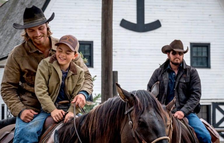 تاریخ پخش فصل چهارم سریال Yellowstone و سریال پیش درآمدی آن با عنوان 1883 به کارگردانی تیلور ریدان به طور رسمی اعلام شد.