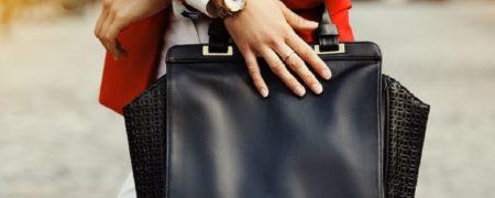 ۸ وسیله مفید که بهتر است همیشه در کیف خود داشته باشیم