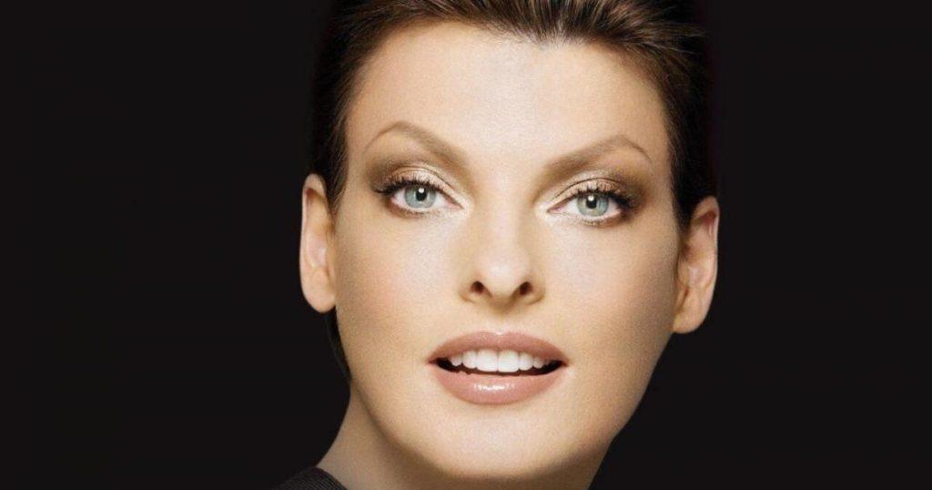 لیندا اوانجلیستا سوپر مدل مشهور به خاطر عمل جراحی ناموفق از شرکت زلتیک شکایت کرد