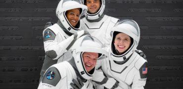 پایان موفقیتآمیز اولین سفر توریستی به مدار زمین با کپسول اسپیس ایکس