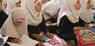 طالبان در اطلاعیه ای دانش آموزان دختران و معلمان زن را از تحصیل و تدریس محروم کرد