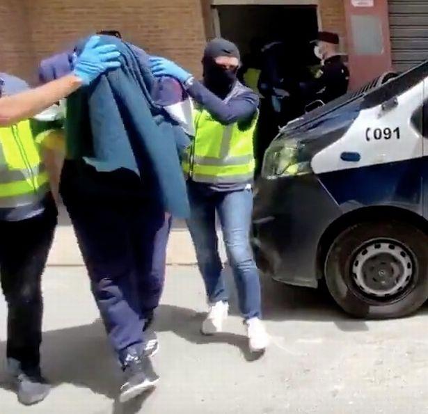 عبدالماجد عبدالباری رپر سابق بریتانیایی که به داعش پیوسته بود، با سفارش های متعدد کباب باعث شد پلیس اسپانیا بتواند او را دستگیر کند