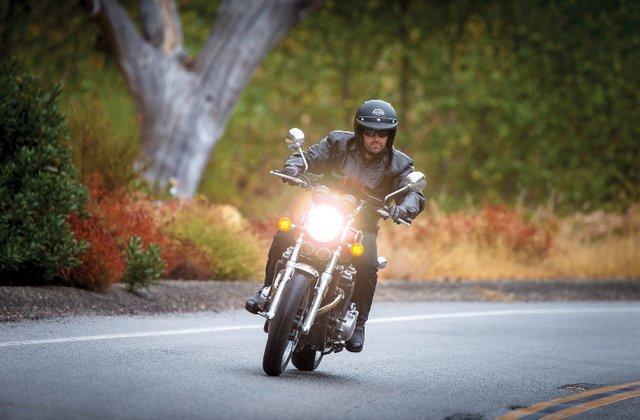 می خواهیم شما را با اصول اولیه دنیای خرید موتورسیکلت ، انواع موتورسیکلت ها و چیزهایی که هنگام خرید این وسیله باید بدانید آشنا کنیم.