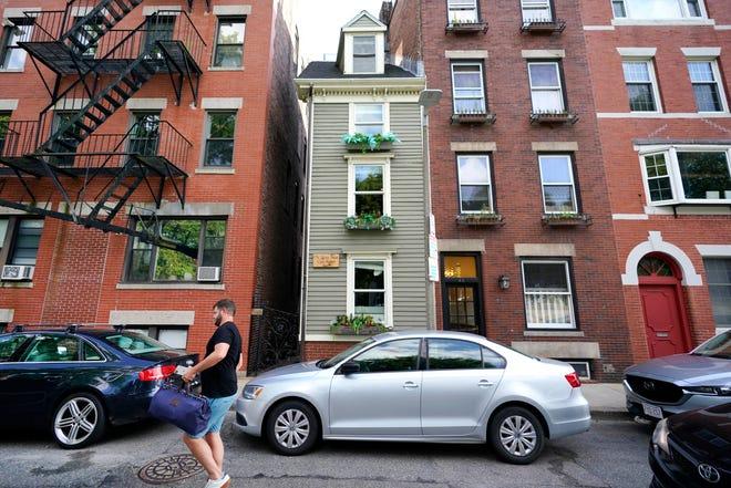 ساختمان موسوم به Skinny House به معنای «خانه لاغر اندام» یا «خانه باریک» که ساختمان معروف و یکی از جاذبه های گردشگری شهر بوستون است
