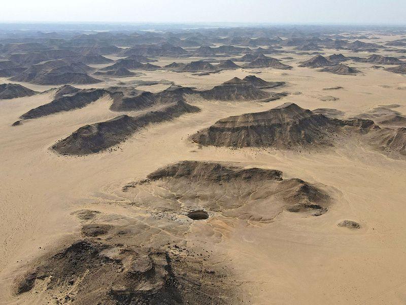 یک چاه به عمق 60 متر در یمن با عنوان «چاه جهنم»، برای اولین بار مورد بررسی محققان قرار گرفته که مردم محلی آن را زندان ارواح شیطانی می دانند.