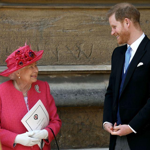 دستیاران خاندان سلطنتی بریتانیا در بهت و حیرت فرو رفته اند پس از آنکه شاهزاده هری و مگان مارکل درخواست دیدار با ملکه را کرده اند.
