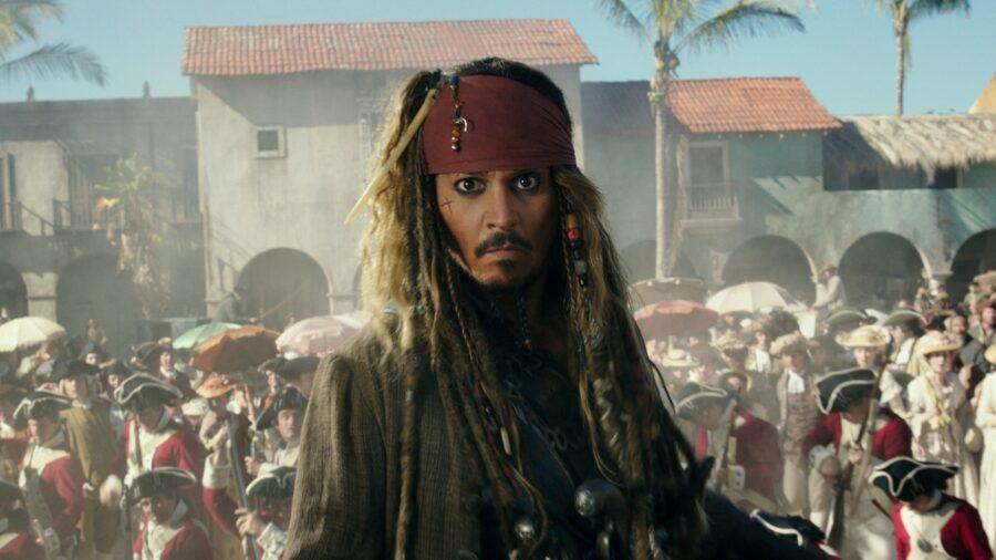 بدون شک اعتبار فیلم های Pirates of the Caribbean و تبدیل شدن به یک فرانچایز میلیارد دلاری مرهون جانی دپ است