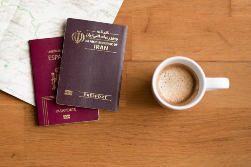سال 1398 بود که ایران نیز طرحی را برای اعطای مجوز اقامت 5 ساله ایران به سپردهگذاران و سرمایهگذاران خارجی ارائه کرد