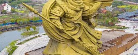 چین ۲۰ میلیون دلار صرف جابهجایی مجسمه عظیم خدای جنگ می کند