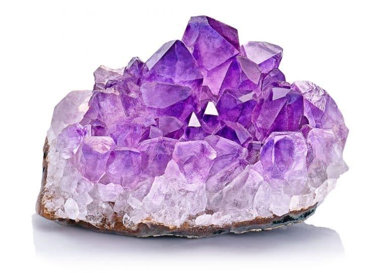 خواص و ویژگی های سنگ آمیتیست چیست؟