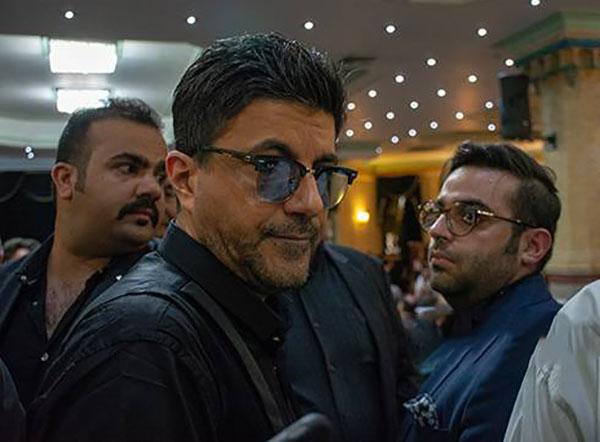 سامان کاظمی یا امیر ارژنگ کاظمی ، خواننده پاپ لس آنجلسی که چند سال پیش به ایران برگشته و خبر دستگیریش در یک سفره خانه خبرساز شده بود