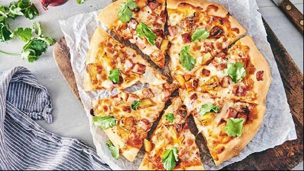 خمیر پیتزا و سس پیتزا را خودتان در خانه درست کنید