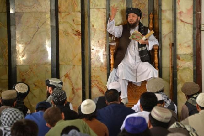 پلیس مذهبی در افغانستان با به قدرت رسیدن دوباره طالبان بار دیگر به خیابان ها آمده اند اما این بار رویکرد متفاوت از قبل است
